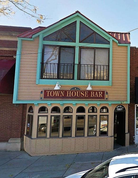 Town House Bar building